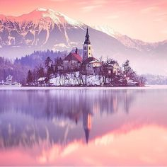 Lake Bled in Slovenia #TourThePlanet Photo by @ilhan1077