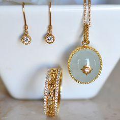 今日は ミルキーアクアマリンとダイアモンドのペンダント ダイアモンドピアス ダイアモンドリング を組み合わせてみました。