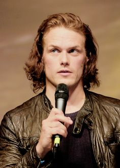 Sam Heughan (Jamie Fraser from the Outlander series) at RingCon 2015