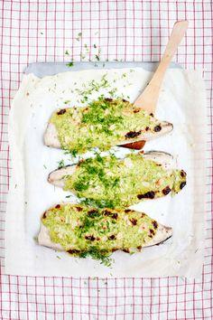 Gratinoitua siikaa pääruoaksi – katso ohje!   Meillä kotona Fish And Seafood, Seafood Recipes, Avocado Toast, Sour Cream, Nom Nom, Good Food, Food Porn, Bread, Dishes