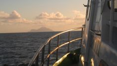 On the way to Saba with the Dawn II, sunset and free beverages!