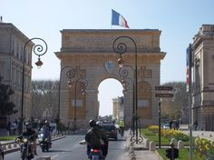 the arc to downtown Montpellier---MISS SEEING IT EVERYDAY!!