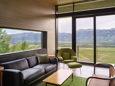 US studio Abramson Teiger has created a rural Wyoming home that consists of low-lying volumes made of glass, concrete and weathering steel Small Space Office, Home Office Space, Home Office Design, House Design, Office Spaces, Indoor Outdoor Bathroom, Weathering Steel, California Closets, Flex Room