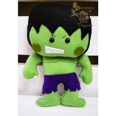 Felt - the hulk Cute Crafts, Felt Crafts, Felt Finger Puppets, Superhero Party, Felt Fabric, Felt Diy, Felt Dolls, Felt Ornaments, Diy Doll