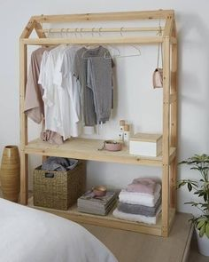 Ted's Woodworking Plans - Love this DIY wardrobe idea from BQ - Get A Lifetime Of Project Ideas & Inspiration! Step By Step Woodworking Plans Closet Organization Diy, Diy Crafts For Bedroom, Diy Plans, Diy Furniture, Diy Clothes Storage, Diy Wardrobe, Closet Bedroom, Woodworking Projects Diy, Clothing Rack