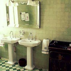 Salle de bain année 30 | 20/30 | Pinterest | Pale blue walls, Blue ...