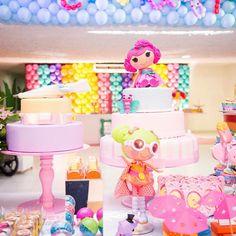 Bonecas lindas do acervo da @dulcelisbolos, ela que nos socorre sempre!!! Flááávia, vc eh o anjo das decoradoras...  #marikotafestas #tatianaandrade #festamenina #festalalaloopsy #lalaloopsy #lauraloopsy