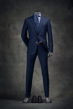 Mens Dress Outfits, Stylish Mens Outfits, Mode Outfits, Fashion Outfits, Blue Suit Men, Blue Suits, Style Masculin, Designer Suits For Men, Gentleman Style