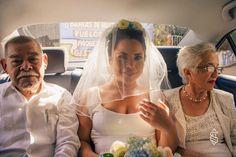 Hermoso velo, ideal para tu boda en playa por Bodas Huatulco Beach Wedding Hair, Wedding Hairstyles, Hair Styles, Fashion, Bridal Veils, Wedding Hair Styles, Beach Weddings, Weddings, Boyfriends