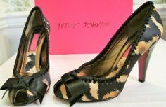 Betsey-Johnson-Vero-Cuoio-7-5M-High-Heels-Animal-Print-With-Bow-Black-And-Gold