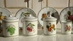 Portmeiron Eden Canisters for Dollhouse by Twelvetimesmoreteeny, on Etsy  €11.50 from Sofía Salcedo