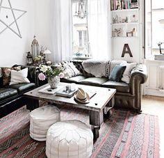 Un pequeño salón inspirador | this Charming home