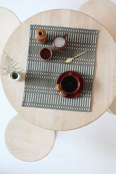 johannagullichsen_table setting -jälkipeli2 House Of The Rising Sun, Natural Home Decor, Winter Christmas, Interior Styling, Easy Crafts, Screen Printing, Table Settings, Objects, Textiles