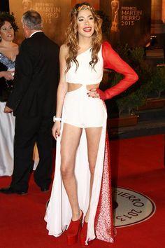 El vestido de Martina Stoessel, lo más polémico de los Martín Fierro