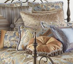 A speciality retailer that designs, sources and markets a unique line of home accessories, wall decor and furniture through a network of stores across Canada, internet and its mail order operations. Bedroom Ideas, Bedroom Decor, Wall Decor, Wall Paint Colors, Spring Home Decor, British Colonial, Linens, Home Accessories, Duvet Covers