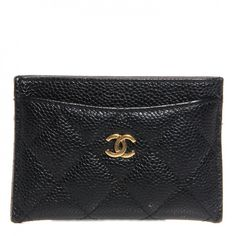 This is an authentic CHANEL Caviar Quilted Card Holder in Black. This stylish card case is crafted of luxurious diamond quilted caviar leather.