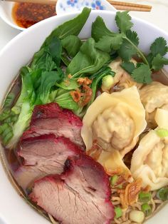 Mì Hoành Thánh {Wonton Egg Noodle Soup} (The Culinary Chronicles) Egg Noodle Soup Recipe, Asian Egg Noodle Recipes, Wonton Noodle Soup, Wonton Noodles, Egg Noodles, Asian Recipes, Ramen Noodle, Noodle Bar, Vietnamese Cuisine