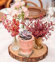 Lindo centro de mesa! Decor de @analubertelli e floricultura por @didigheler   #prontaparaosim #