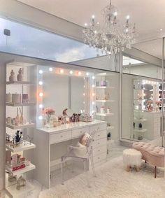 Teen Bedroom Designs, Bedroom Closet Design, Home Room Design, Bedroom Ideas, Girls Room Design, Pink Bedroom Decor, Bedroom Decor For Teen Girls, Rich Girl Bedroom, Dream Teen Bedrooms