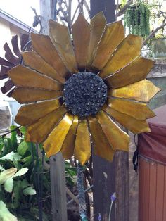 Metal sunflower by MartisMetalCreations on Etsy, $150.00
