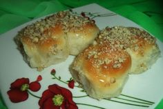 Mucenici moldovenesti Bagel, Curry, Food And Drink, Sweets, Bread, Chicken, Desserts, Home, Cakes