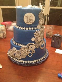 Doctor Who birthday cake.<<< I WANT THIS FOR MY 17TH BIRTHDAY. WILL SOMEBODY MAKE IT FOR ME?????????