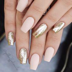 Beautiful Mismatched nail art design - Pink and gold nails, nude nails ,nail acrylic ,nails Classy Nail Designs, Nail Art Designs, Nails Design, Acrylic Nail Designs Glitter, Gold Acrylic Nails, Classy Nails, Trendy Nails, Hair And Nails, My Nails
