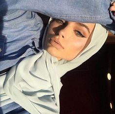 Modern Hijab Fashion, Hijab Fashion Inspiration, Muslim Fashion, Hijabi Girl, Girl Hijab, Hijab Outfit, Beautiful Muslim Women, Beautiful Hijab, Arab Girls
