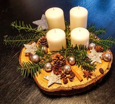 DIY advent wreath on a tree slice – Mum and Cherry Silver-white Christmas table center / Advent table center Christmas Advent Wreath, Christmas Time, Christmas Crafts, Christmas Decorations, Wreath Crafts, Diy Wreath, Diy Advent Wreath, Felt Wreath, Wreath Making