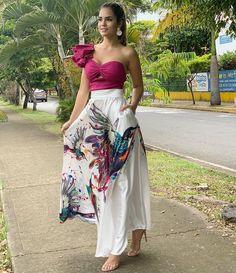 falda sublimada,con bolsillos de @melebym Stylish Dresses, Cute Dresses, Beautiful Dresses, Fashion Dresses, Fashion Mode, Look Fashion, Womens Fashion, Classy Outfits, Cute Outfits