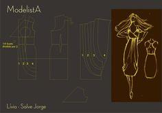 vestido decote transpassado e franzido com drapeado na frente.