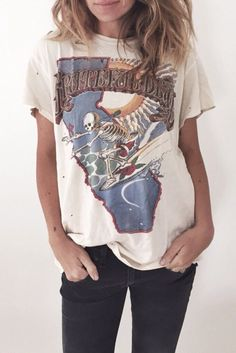 Grateful Dead is one of my all time favorite bands - I'm very nostalgic about the American Beauty album. I would love to have more fitted version of this Tm though it could be nice half tucked into skinny pants with a sleek belt and a blazer / trench