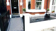 Geometric Black and White Victorian Tile Path - London Garden Design Victorian Front Garden, Victorian Terrace, Victorian Homes, Victorian London, Edwardian House, Victorian Hallway Tiles, Victorian Mosaic Tile, Garden Design London, London Garden