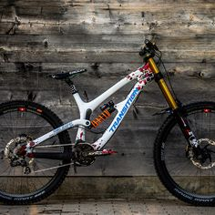 Just How to Fit Electric Bikes right into Your Lifestyle - Bike riding Mountain Bike Shoes, Mountain Biking, Transition Bike, Montain Bike, Mt Bike, Power Bike, Downhill Bike, Bike Brands, Bike Style