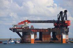 http://koopvaardij.blogspot.nl/2017/09/15-september-2017-in-de-prinses.html    15 september 2017 Prinses Arianehaven, Europoort laden op de DOCKWISE VANGUARD kraanschip HERMOD van Heerema