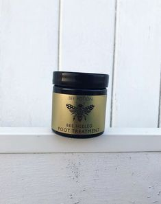 Massaging this balm into your feet just before you go to sleep will really help to tackle extremely dry skin, and you can expect to see results within a week. We have also added peppermint essential oils into the mixture ,  leaving your feet smelling incredible. Dry Feet Treatment, Soften Feet, Cracked Hands, Dry Nails, Natural Moisturizer, Jojoba Oil, Dry Skin, Natural Skin Care, Shea Butter