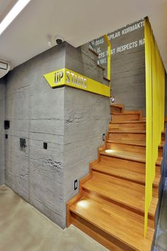 Office Interior Design Ideas Work Spaces is totally important for your home. Whether you choose the Office Interior Design Ideas Wall Decor or Small Office Design Workspaces, you will create the best Corporate Office Design Workspaces for your own life. Grey Interior Doors, Gym Interior, Yellow Interior, Office Interior Design, Office Interiors, Design Interiors, Interior Garden, Corporate Office Design, Small Office Design