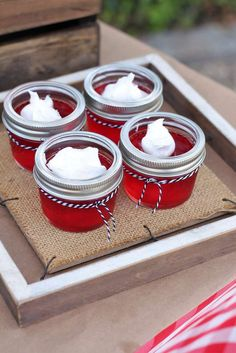 Red jello in mini mason jars fourth of july barbecue sweet jelly parties. Fourth Of July Food, 4th Of July Party, July 4th, Summer Bbq, Summer Parties, Summer Picnic, Maya, Mini Mason Jars, Brunch Table