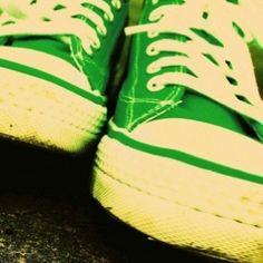 Green all star converse. Green Converse, Converse All Star, Urban Star, Amazing Greens, Shades Of Green, Chuck Taylors, Green Colors, Color Splash, Cool Photos