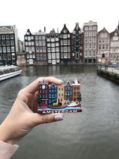 5 Most photogenic spots in Amsterdam - The El Stories Greek Girl, Cozy Cafe, Visit Amsterdam, Central Station, 16th Century, World Heritage Sites, Big Ben, Dancing, The Neighbourhood