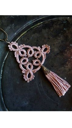 Boho chic tassel necklace in dusty pink//Lace necklace pendant/Bohemian tassel necklace Tatting Necklace, Tatting Jewelry, Lace Necklace, Lace Jewelry, Tatting Lace, Jewelry Crafts, Pompom Necklace, Shuttle Tatting Patterns, Needle Tatting Patterns