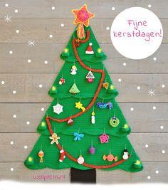 Een kerstboom vol met gratis haakpatronen van wolplein! De ster en get vogeltje staan nog op mijn to do lijstje