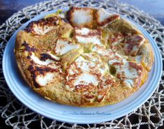 Frittata con la ricotta ricetta siciliana Ricotta, Sicilian Recipes, Sicilian Food, Finger Food, Vegetable Pizza, Feta, Mashed Potatoes, Cauliflower, Buffet
