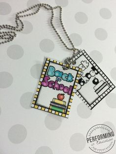 FREE Back to School brag tags! Awesome for classroom management!