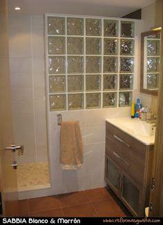 Un baño en tonos piedra ~ Reformas Guaita