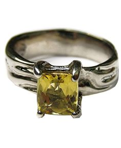 14k white gold and yellow beryl ring. http://www.thefashionconnector.com/jewellery/evb/yellow_beryl_ring.html