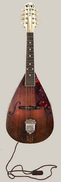 Electric Mandola designed by Lloyd Loar for Vivi-Tone_NMM_10809ViviTonemandolafrontLG.jpg (203×600)
