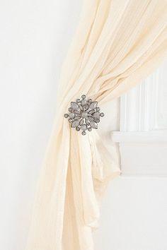 Snowflake Curtain Tie-Back