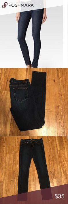 Paige Peg Skinny Jeans Paige Peg Skinny Jeans size 29-waist is approx 15 inches flat, rise 8 inches, inseam 31 inches Paige Jeans Jeans Skinny