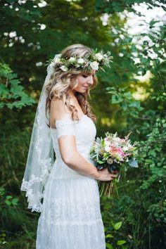 Apostar nas flores...sempre! #casamento #vestidodenoiva #noivas